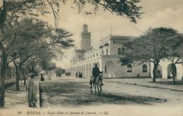 DZ BISKRA / Royal-Hôtel Et Avenue De Lacroix / - Biskra