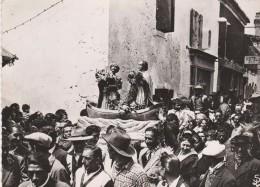 CP  13  EN  CAMARGUE   LES  SAINTES  MARIES   La  Procession  Des Stes  Maria  Jacobé  Et  Salomé ( Animée ) - France