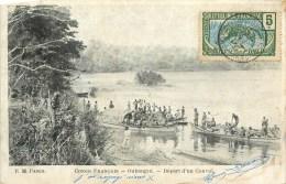 CONGO FRANCAIS - DEPART D4UN CONVOI DE GRANDES PIROGUES - OUBANGUI - édit; E.M., CPA  - VOIR 2 SCANS. - Congo Français - Autres
