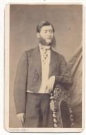 Photo CDV - Portrait D´Homme Accoudé - Pierre Petit, Paris - Anciennes (Av. 1900)