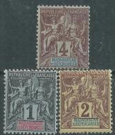 Madagascar N° 28 / 30 X  Type Groupe  :  Les 3 Valeurs Trace De Charnière Sinon TB - Madagascar (1889-1960)