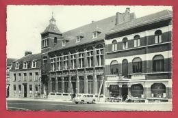 """Châtelet- Hôtel De Ville, Place Albert Ier - Façade """" Café Du Palais """"  - Oldtimer ( Voir Verso ) - Châtelet"""