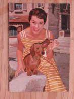 Hund200 :  Marianne Koch Mit Dackel - Foto Ringpress/Vogelmann/Bavaria - Nr. F. 10 - Unbeschrieben - Gut Erhalten - Hunde