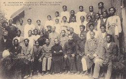 Afrique - Madagascar - Missions Religion - Pères Directeurs Et Employés Imprimerie - Médaille Militaire - Madagascar