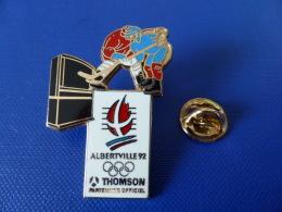 Pin´s JO Jeux Olympiques Albertville 92 - Thomson Partenaire Officiel - Hockey Sur Glace - Télévision Zamac (PH21) - Jeux Olympiques