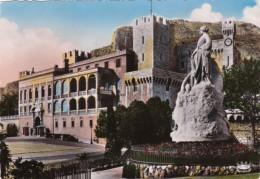 MOnaco LePalais du Prince et le Monument Commemoratif