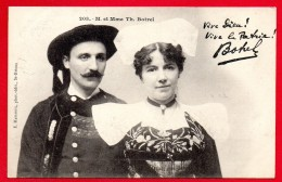 Théodore Botrel Et Son épouse Lena( Hélène Lugton) En Costumes Traditionnels Bretons. Ca 1900 - Singers & Musicians