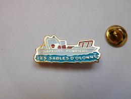 Beau Pin´s , Pompiers SP , Les Sables D'Olonne , Vendée - Brandweerman