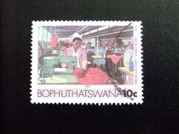 AFRIQUE DU SUD BOPHUTHATSWANA 1985 Fabrique De Vêtements Yvert Nº 157 º FU - Bofutatsuana