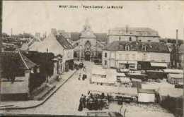 MOUY - Place Cantrel - Le Marché - Mouy