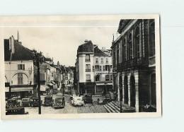 CHAUMONT - Rue Jules TREFOUSSE Et Hôtel De Ville - Beau Plan Animé Avec Voitures Années 1940 - 2 Scans - Chaumont