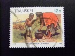 AFRIQUE DU SUD TRANSKEI 1985 Preparando La Comida Préparation D´un Repas  Yvert Nº 167 º FU - Transkei