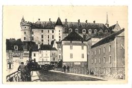 Cp, 03, Lapalisse, Le Pont Sur La Besbre, La Place De L'Industrie Et Le Château - Lapalisse