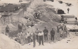 CARTE PHOTO SOUVENIR DU 19 SEPTEMBRE 1939 ENTRAIN DE FAIRE DES TRANCHEES - Guerre 1939-45