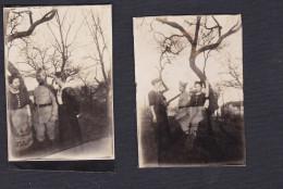 Deux Photo Originale Militaire Et Jeunes Femmes Située à Metz En Janvier 1919 - Guerre, Militaire