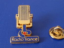 Pin's Média Radio - Radio France Micro - Zamac Metargent (RD1) - Médias