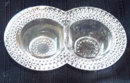 Ancienne Saliere Poivriere Saleron En Verre Moulé TOUT CISELE TBE COMME NEUF - Dishware, Glassware, & Cutlery