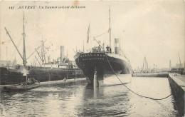 ANVERS - Un Steamer Sortant Du Bassin,Paquebot Parklands. - Dampfer