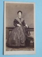 Vrouw Femme Woman ( CDV Photo ??? - Zie Foto Voor Details ) ! - Old (before 1900)