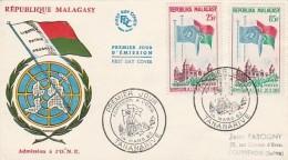 MADAGASCAR -LETTRE FDC  PREMIER JOUR ADMISSION A L'ONU -AFFRANCHIE N° 362 ET 363--- 1962 - Madagascar (1960-...)
