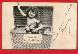 Bébé Dans Une Malle En Osier - Bonne Fête 1905 - - Babies