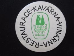 HOTEL KAVARNA VINARNA HOROVICE CSR CSSR CZECH REPUBLIK CHEKOSLOVAKIA LUGGAGE LABEL ETIQUETTE AUFKLEBER DECAL STICKER - Etiquettes D'hotels