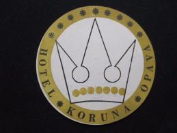 HOTEL KORUNA OPAVA CSR CSSR CZECH REPUBLIK CHEKOSLOVAKIA LUGGAGE LABEL ETIQUETTE AUFKLEBER DECAL STICKER - Etiketten Van Hotels