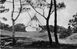 ILE DE NOIRMOUTIER  -  Moulin à Vent Au Sommet De La Colline De La Bosse ( Cachet Hewagonal De L' Epine Au Verso ) - Ile De Noirmoutier