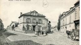 CPA 95 DEUIL PLACE DE LA REPUBLIQUE - Deuil La Barre