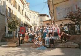 """/ CPSM FRANCE 13 """"Lambesc En Provence"""" / GROUPE FOLKLORIQUE - Lambesc"""