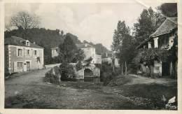 """/ CPSM FRANCE 24 """"Saint Jean De Cole, Le Vieux Pont Et Maison à Colonnades"""" - France"""