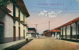 NI DIVERS / Calle Central, Corinto / - Nicaragua