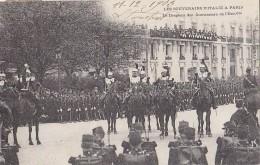 Evènements - Réception Souverains Italie Paris  -  Militaria Drapeau Des Cuirassiers De L'Escorte - Réceptions