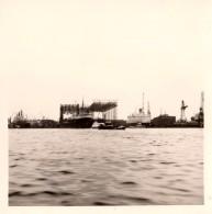 Photo Originale Navire Marchand - Bateau à Hambourg En 1964 - Howaldtswerke - Chantier Naval - Travaux - - Barche
