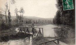 """76 ANCOURT ( Seine-Maritime )      La Rivière L' EAULNE   """"  P B G """"   Jeune Fille Sur Le Pont - France"""