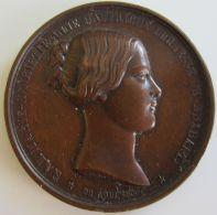 M01926  MARIE HENRIETTE D'AUTRICHE - 1853 - Son Profil  (52g) Elle Deviendra Un Gage De Prospérité... Au Revers - Royal / Of Nobility