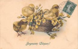 CPA Fantaisie - Joyeuses Pâques - Poussin - Illustrateur M.M. VIENNE - Easter
