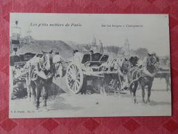 Dep 75 , Cp(repro) Les Petits Métiers De PARIS , Sur Les Berges , Chargement (01.19) - Petits Métiers à Paris