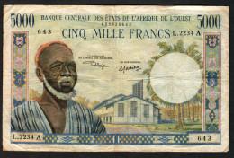 COSTA D´AVORIO (Ivory Coast) - AFRIQUE DE L´OUEST - WAS :  5000 Francs- P104Ai - Sn :2234A643 - Costa D'Avorio