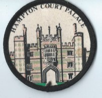Hampton Court Palace /Palais Royal D'Hampton Court/Angleterre/ Années 80    ET62 - Blazoenen (textiel)