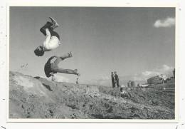 10x15  Jeux  Acrobatique Sur La Plage   Carte De L'Aventure Carto   En 1976 - Tanger