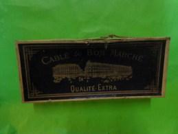 Boite Vide Carton-cable Du  Bon Marche- Qualite Extra 21,5cm 8.5cm Pour Decor De Mercerie - Publicité