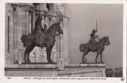 PARIS XVIII°  CPA Photo  STATUES Equestres  Le ROI SAINT LOUIS Et JEANNE  D' ARC Basilique Du SACRE COEUR 1936 - Distretto: 18