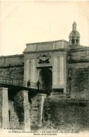Cpa ILE D OLERON 17 LE CHATEAU - La Porte Royale - Entrée De La Citadelle - Ile D'Oléron