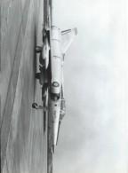 Photographie D´époque/Avions Marcel DASSAULT/Avion De Combat /Mirage M5/ CEV Cazaux/Vers  1967   AV16 - Aviation