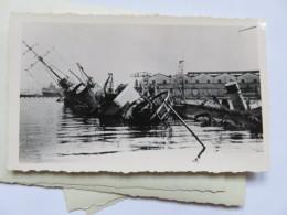 Ww2 Bombardement De La Flotte Par Les Anglais Bateau  Couché . à Identifier  . Vichy Pétain 2 Eme Guerre - Guerra, Militari