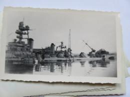 Ww2 Bombardement De La Flotte Par Les Anglais Bateau  Couché. . à Identifier  . Vichy Pétain 2 Eme Guerre - Guerra, Militari