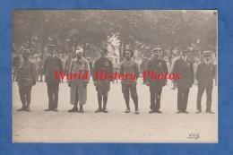 CPA Photo - LYON - Remise De Décoration à Des Poilus - WW1 - Voir Médaille Croix De Guerre 13e Chasseurs Gueule Cassée - Oorlog 1914-18