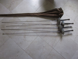 4 FLEURETS ANCIENS ET HOUSSE - Armes Blanches