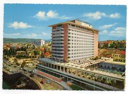 CPM      LIBAN   BEIRUT    1983      HOTEL PHOENICIA INTERCONTINENTAL      VUE SUR L ARRIERE ET LA PISCINE - Hotels & Gaststätten
